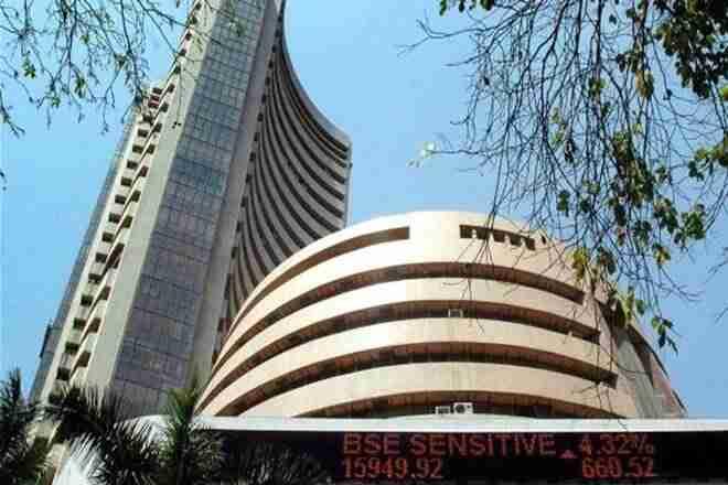 市场生活:在印度 - 帕克交叉Bordertions中,Sensex几乎没有超过30300,卖压力升高